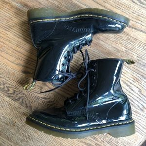 doc martens patent leather boots 1460w